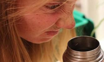 Чайний наліт: як очистити термос