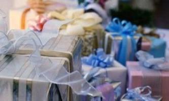 Що подарувати на весілля сестрі: вибираємо цікаві ідеї