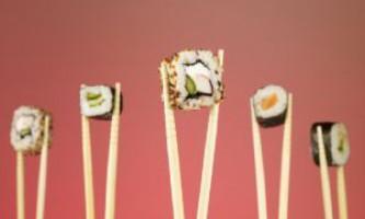 Як їсти паличками суші