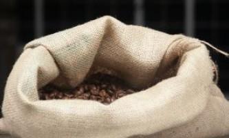 Як потрібно зберігати каву, щоб не втратити аромат і смак