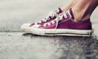 Як очистити взуття від смоли?