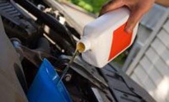 Як відіпрати машинне масло