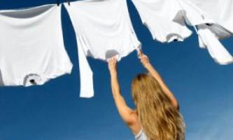 Як відіпрати полинялі білі речі: сорочки, скатертини, білизна