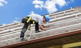 Як поміняти дах у будинку?