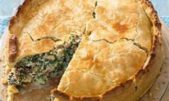 Пиріг з начинкою з фаршу в мультиварці: 2 кращих рецепта