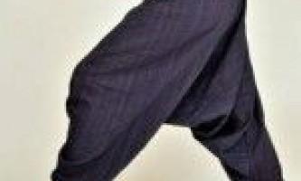 З чим носити широкі штани і джинси